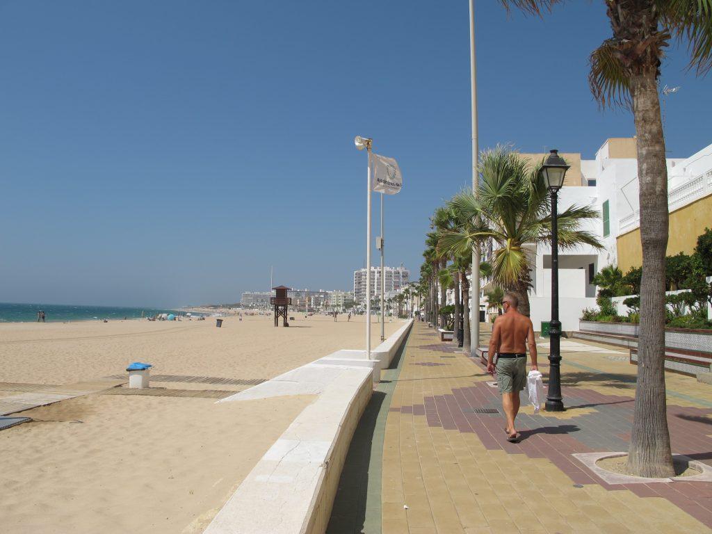 Stranden på vestsiden av Rota er helt fantastisk flott. Men vi ser at sesongen er nærmest slutt.