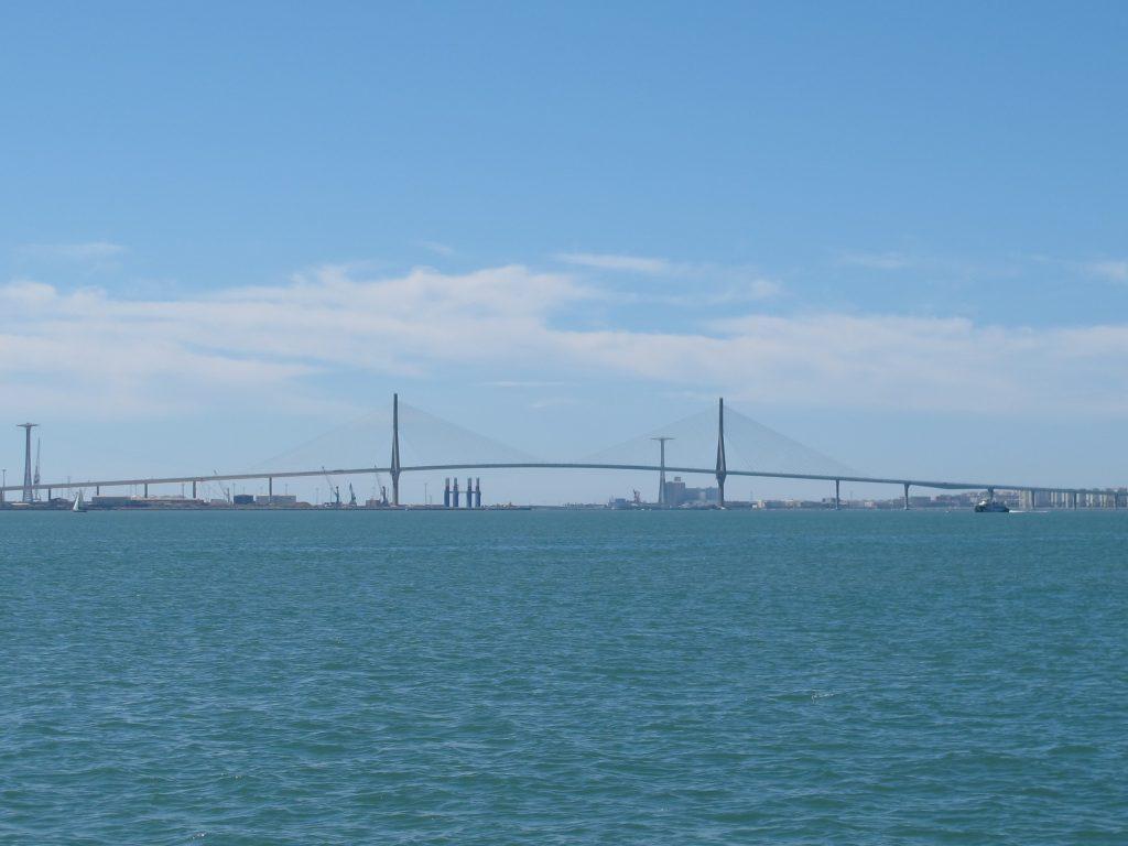 Broen i Càdiz i det fjerne.