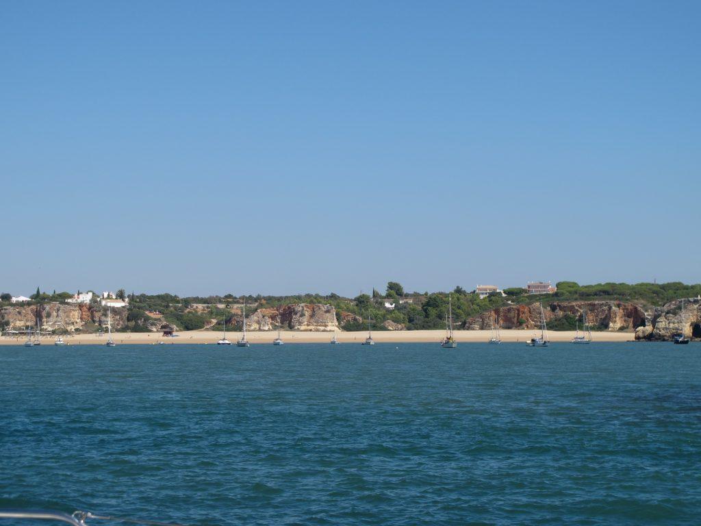 Ankringsplassen ved stranden.