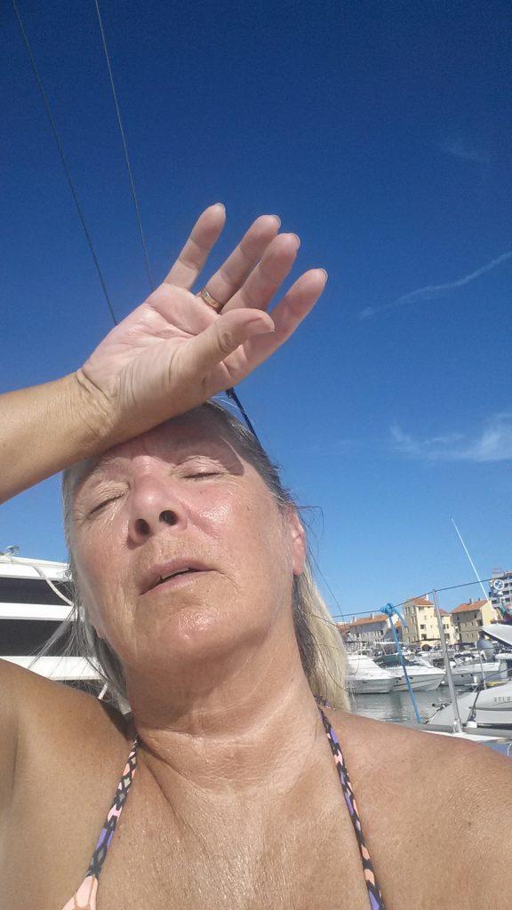 Veldig slitsom liv dette livet på Numa. I solen.