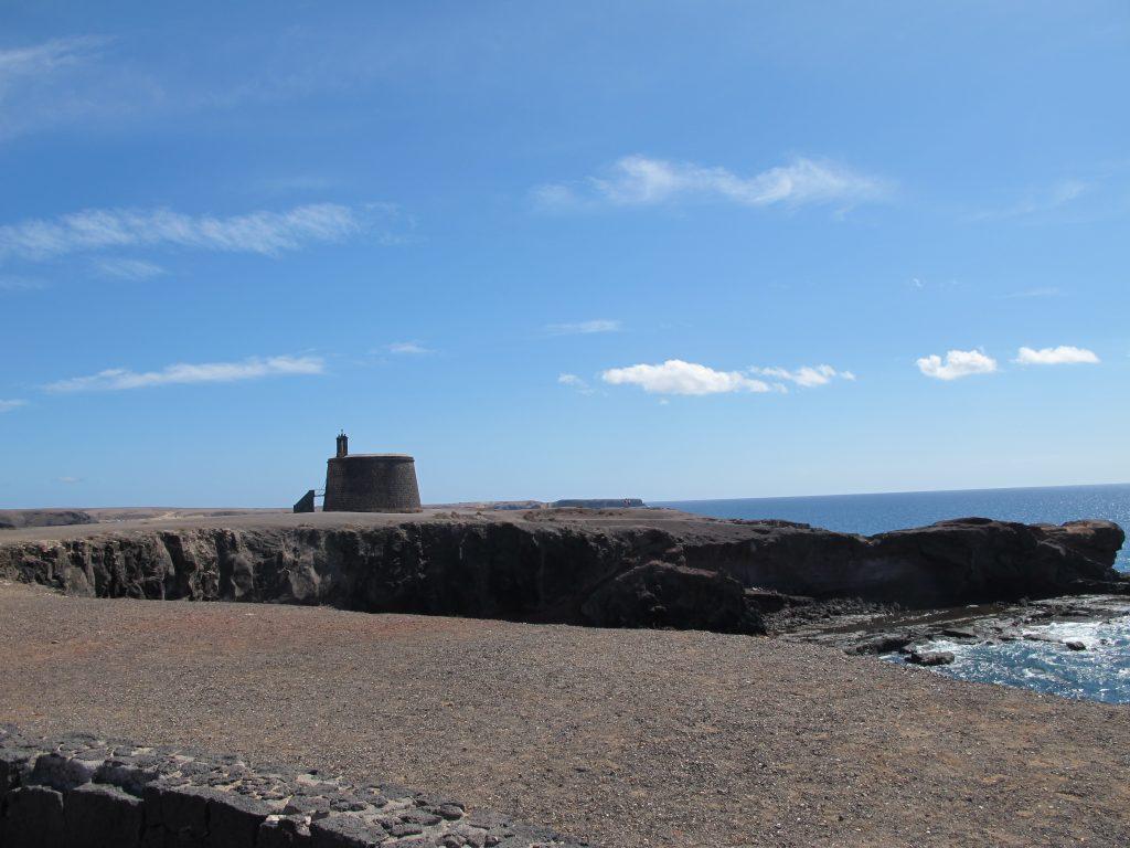 El Castillo o Torre del Àguila. Det eneste forsvarsverket de hadde på Lanzarote.