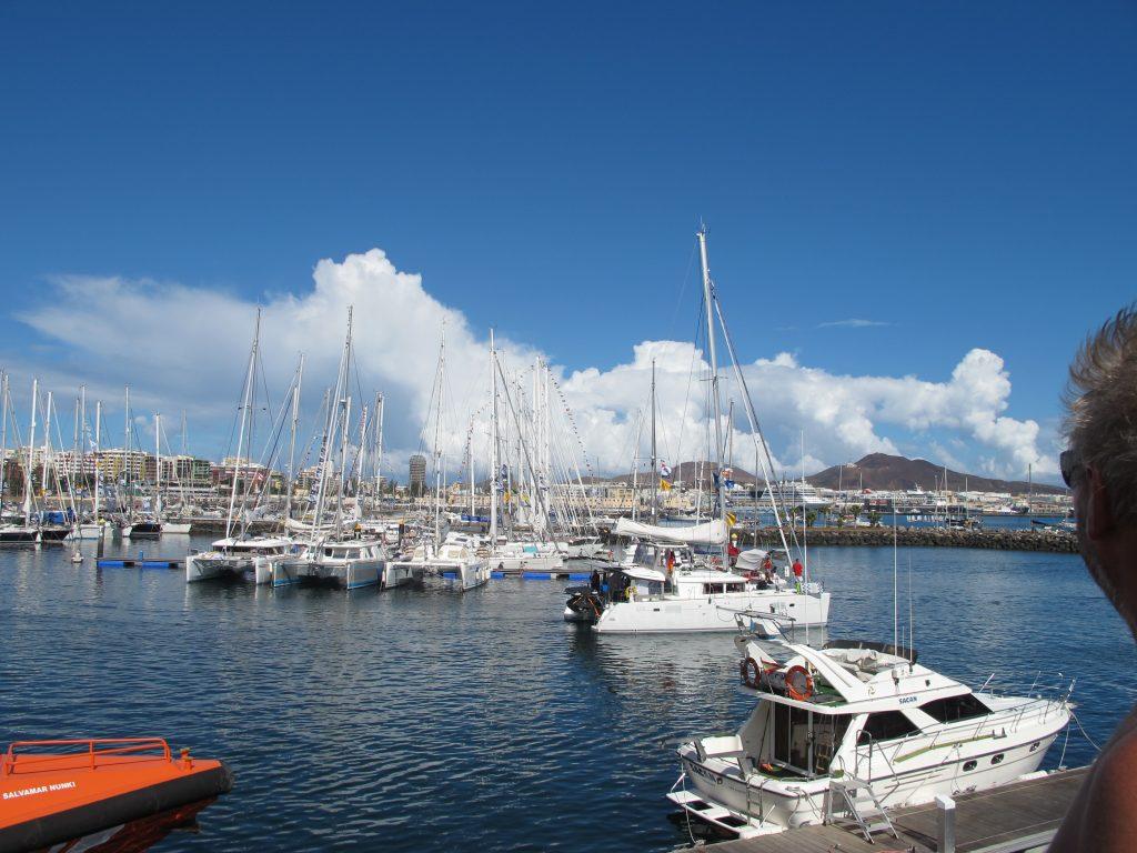 Heldigvis var det pent vær akkurat når båtene gikk ut.