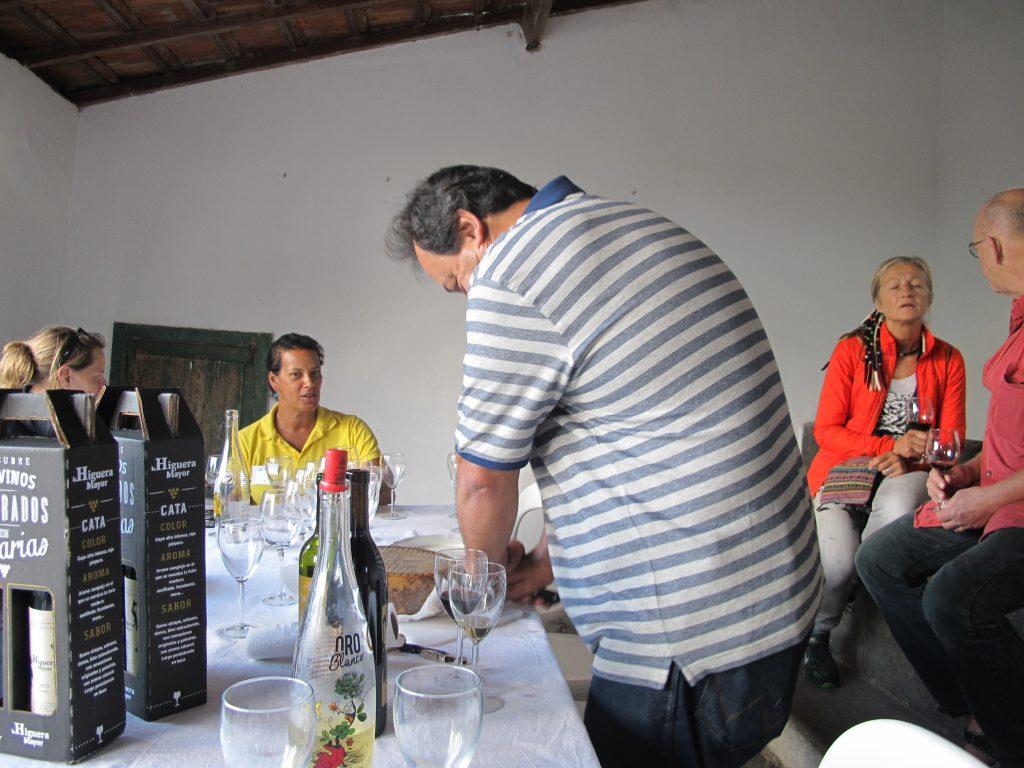 Vi fikk også servert fantastisk deilig ost. Som han sa, man må ha førsteklasses ost til en førsteklasses vin.