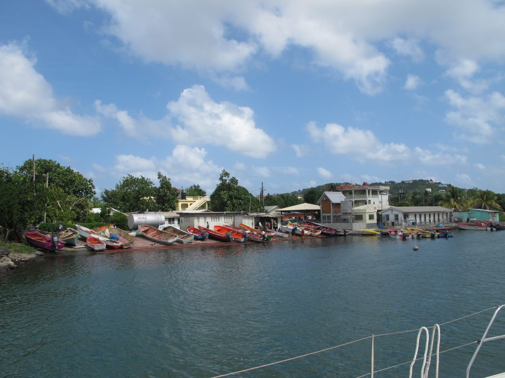 I Rodney Bay er det selvfølgelig mange som driver båtrelaterte geskjefter.