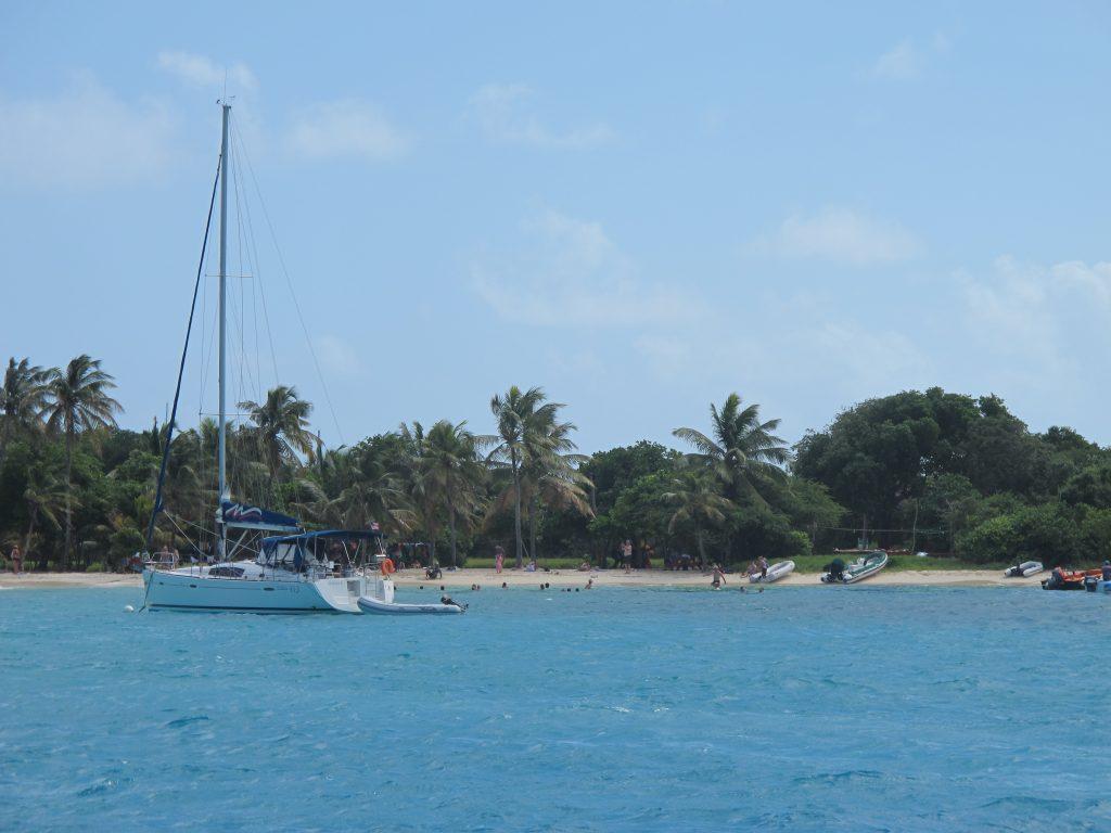 Tobago Cays ligger der som en perle, omgitt av farlige rev.