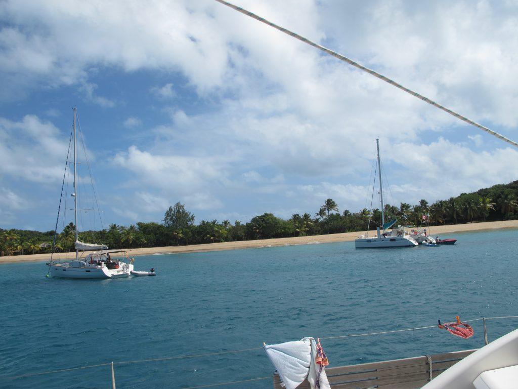 Enda en paradisisk strand. Her vil nok Mona og Per snorkle.