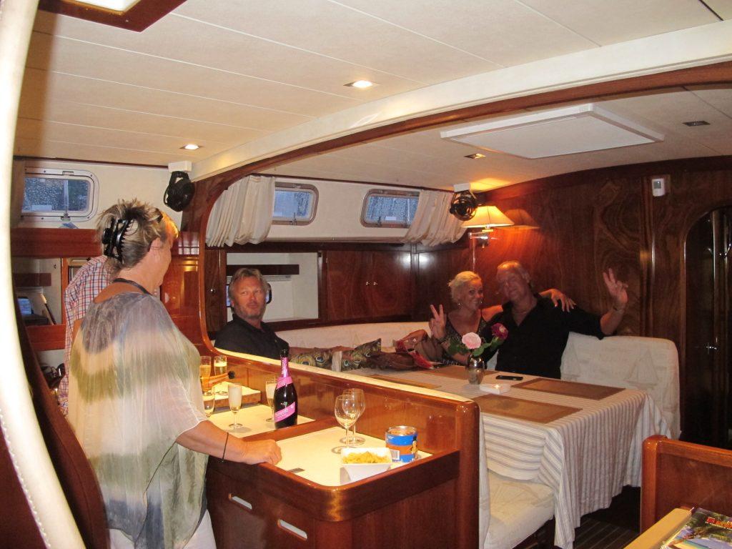 Amelen er en fantastisk nydelig båt. Og Conny og Carina er med rette stolte av den.