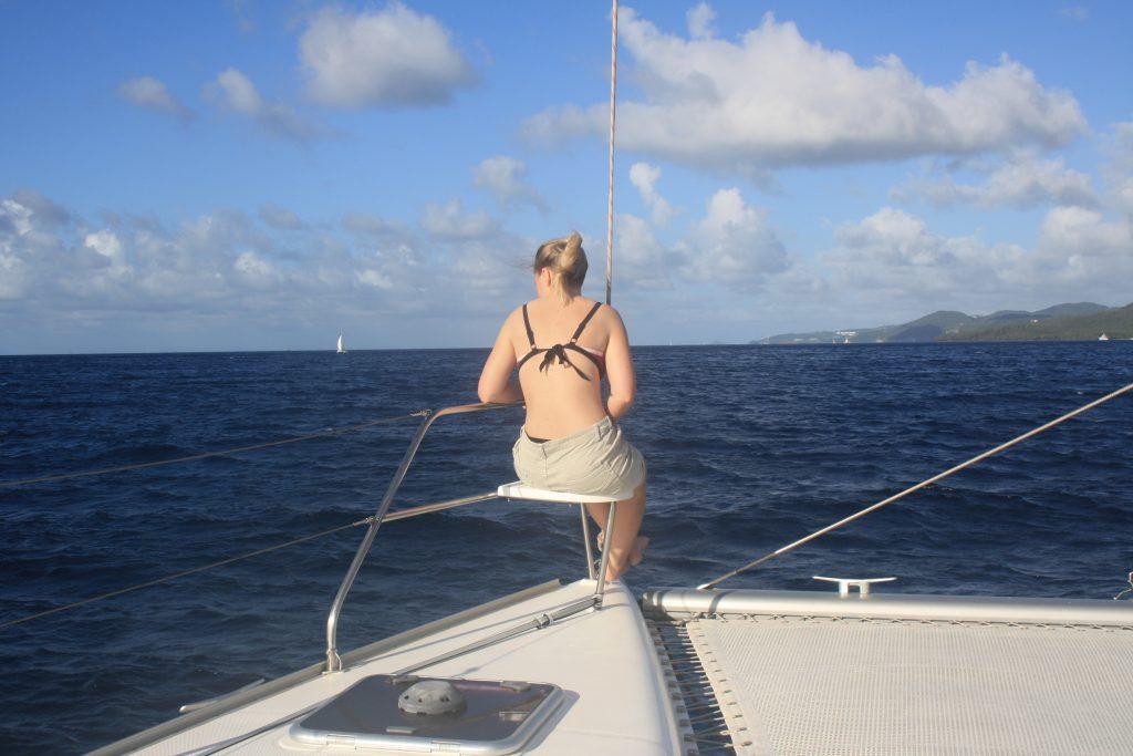 Så er det Rikke som har okkupert den fineste plassen om bord (Foto: Hanne S. Bugge)