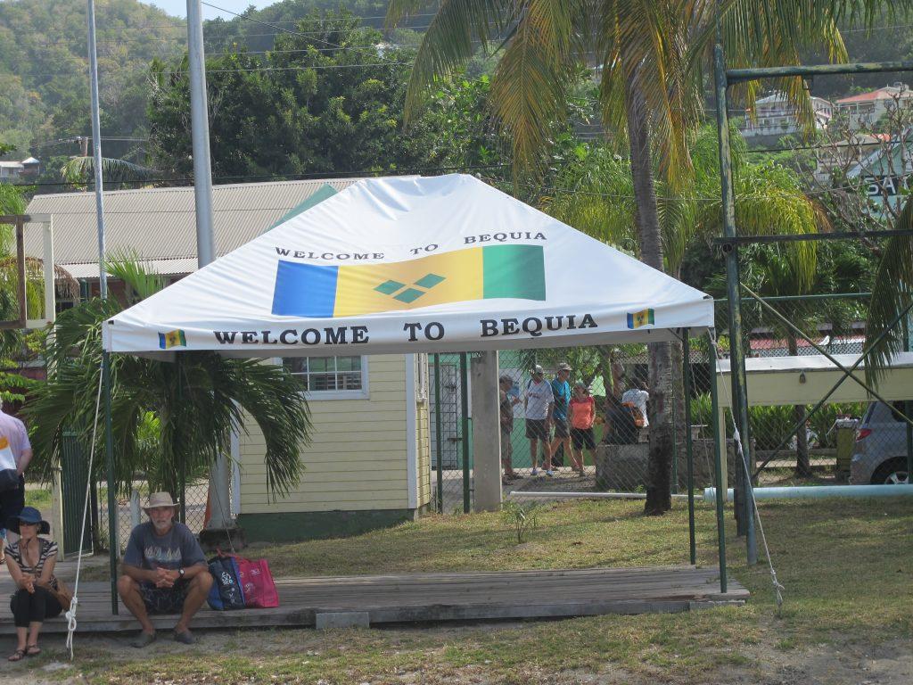 Godt å bli ønsket velkommen. Bequia er en av favorittplassene våre.