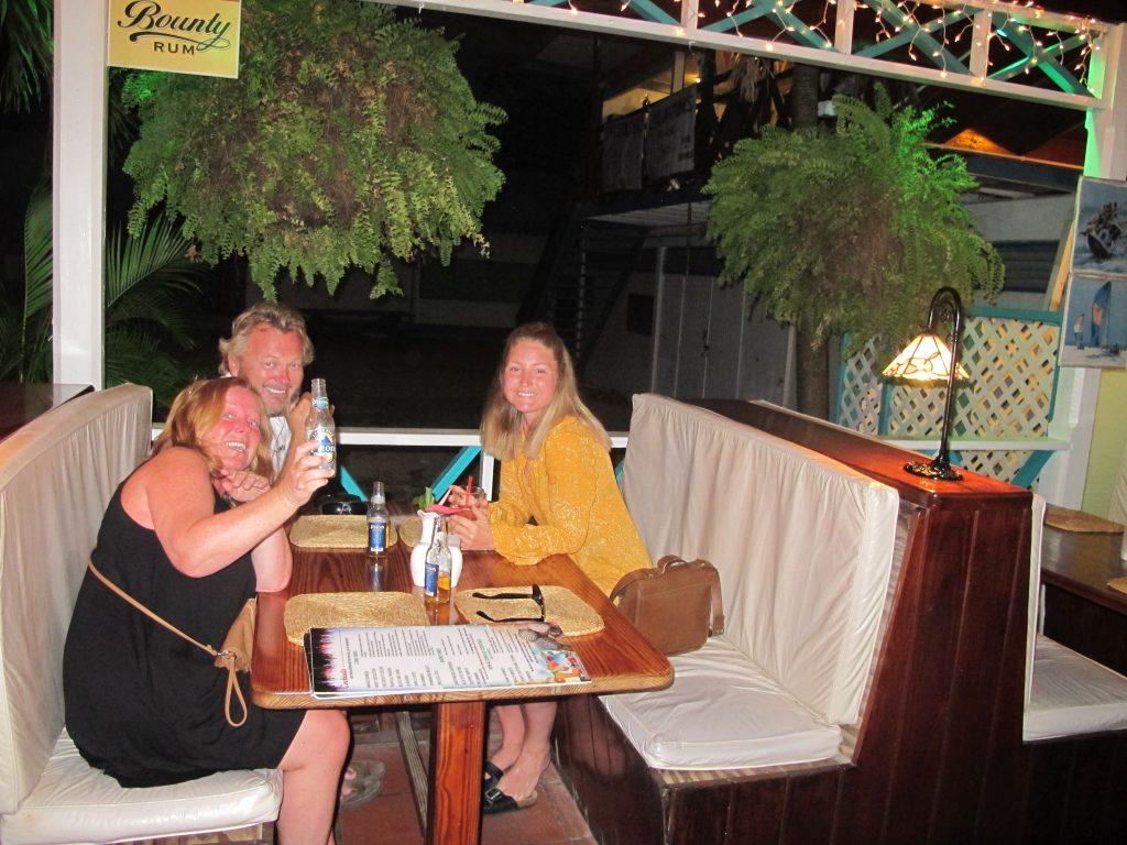 """Tilbake på """"Spinnaker"""". Et sted vi trives veldig godt. Det er nydelig mat, avslappet atmosfære og hyggelig betjening."""